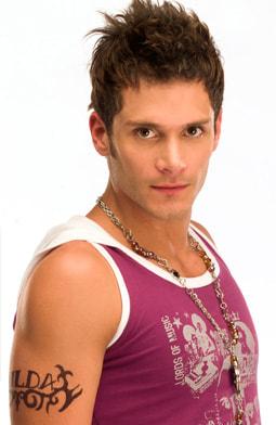 Juan Diego Sanchez es Byron Santana