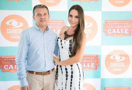El lanzamiento contó con la presencia de varias personalidades de la región. El Gobernador de Risaralda Carlos Botero y su esposa Luza Sánchez disfrutaron del evento.