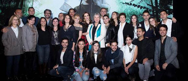 """Caracol television Presentó """"La Niña"""""""
