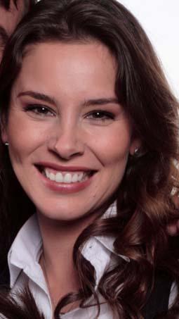 Angela Vergara es Cristina Del Corral