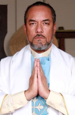 Bruno Diaz es Padre Tito Lemetre