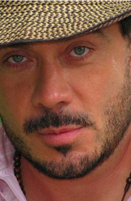 Julio Echeverry es Macario Moscote