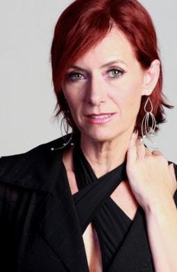 Kristina Lilley es Malvina Samper viuda de Cabrales