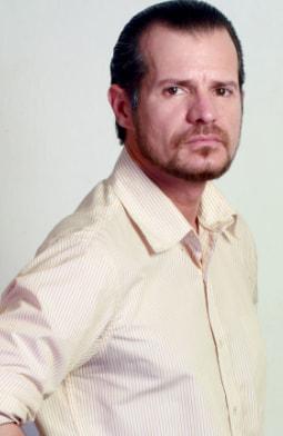 Rafael Cardozo es Moises Ovalle